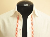 "Men's shirt with embroidered ""fret"""